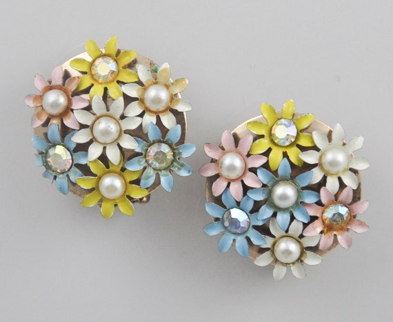 1960s Enameled Pastel and Aurora Borealis Round Flower Cluster Clip Earrings