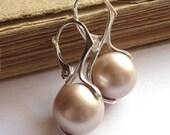 CLASSY - Swarovski Powder Almond Pearls