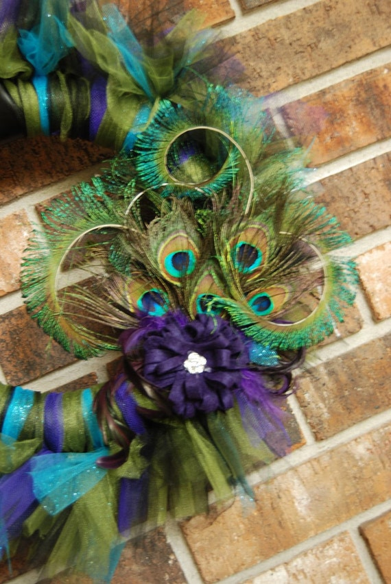 Add Extra Feathers to your Picky Peacock Wreath