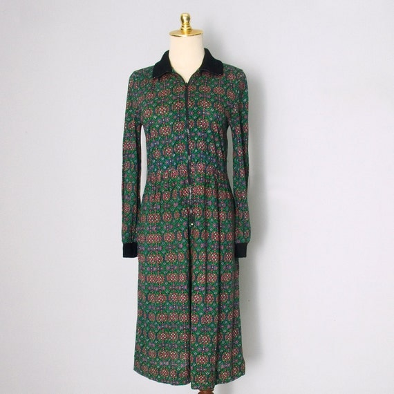 Vintage 70s Long Sleeve Shirtdress - Green and Red Print - Zip up - Medium - Fall / Holiday - Christmas