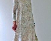 1960s Vintage Crocheted Trapeze Dress in White Long Sleeves Fully Lined - Large