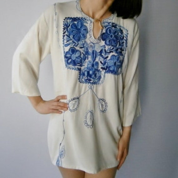 1970s Vintage Embroidered  Ethnic Cover Up - White Linen with Blue Stitching - S M L