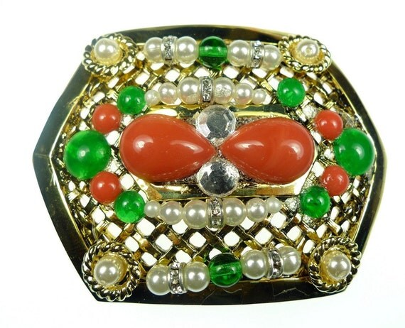 Belt buckles, vintage gold tone metal beaded red