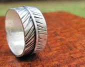 Silver Feather Band - Etched Ring