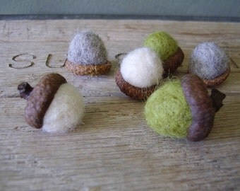 Felted acorns, set of 6, Oregon Springtime Mix, White, Light Green, Light Grey, waldorf acorns, pnw gifts, oregon gifts, green felt acorns