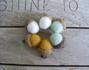 Wool acorns, set of 6, Saffron Yellow, Mint Green, Natural White, pastel felt acorns, woodland birthday, waldorf birthday party favors