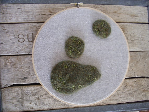 Felted wool star moss embroidery hoop, wall decor of felted wool and upcycled natural linen, 8.5 inches