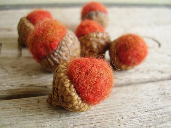 Felted wool acorns, set of 6, Deep Orange, autumn decor, thanksgiving table decoration, orange felt acorns, waldorf autumn, harvest decor