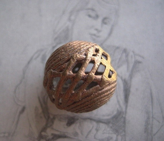 1 Traditional Style Lost Wax Cast Brass Cross Weave Bead, 20mm