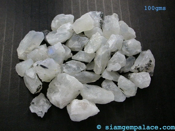 Blue MOONSTONE. ROUGH Opaque White  50 grams (ref.MS114)