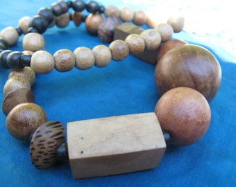 70s Woodsy Throat Chakra Necklace
