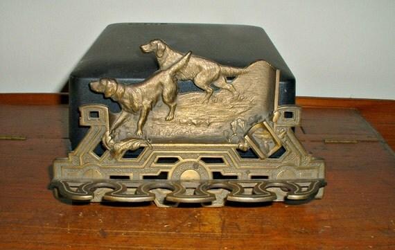 Vintage Hunting Dog Scene Wall Rack Holder Hardware Decor