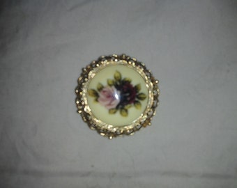 Romantic Rose Porcelain in Ornate Gold Tone Frame Pin/Brooch