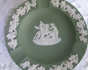 Wedgwood Round Green and White Ashtray Dish
