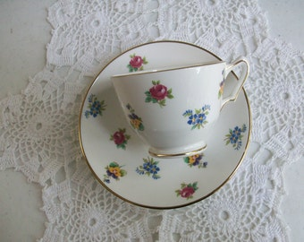 Royal Victoria Tea Cup & Saucer //