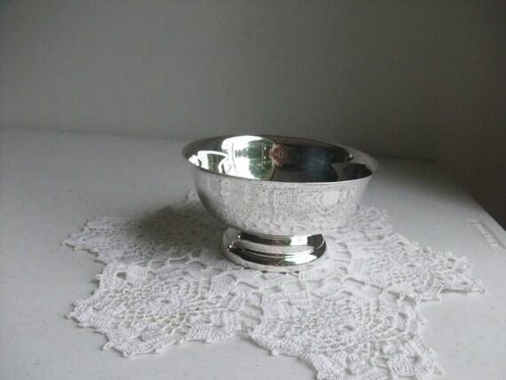 Sheridan Pedestal Silver Serving Bowl Engraved Paul Revere Design