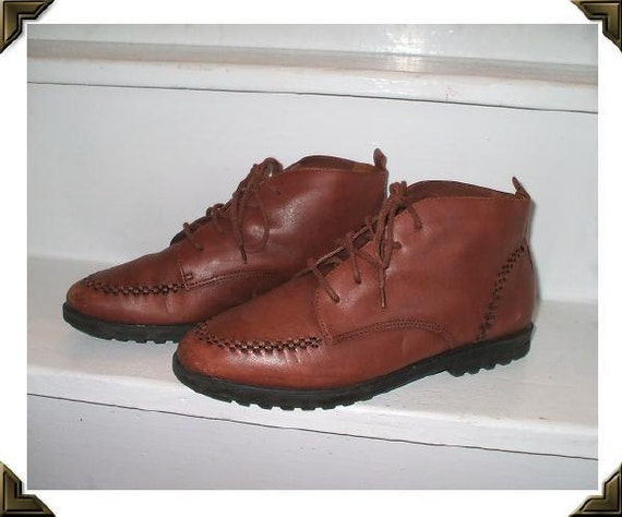 Cognac Brown Leather Vintage 1980's Nerdy Ankle Boots 7