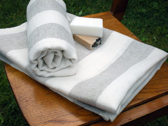 Linen Towel - Soft And Striped  100x148cm / 39.4 x 58.3 inches