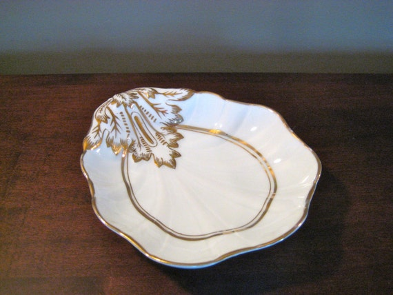 Vintage Small White and Gold Porcelain Shell Dish