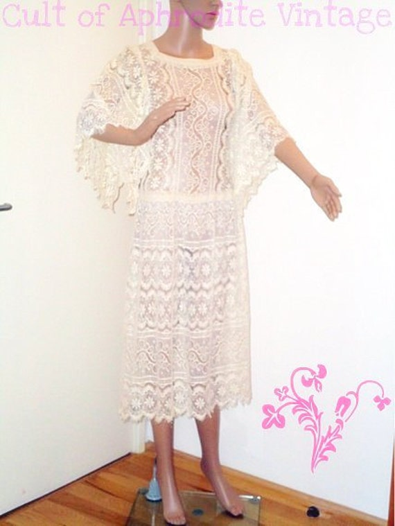 FREE Shipping // Vintage 80 Jessica Mcclintock Lace Flutter sleeves DRESS