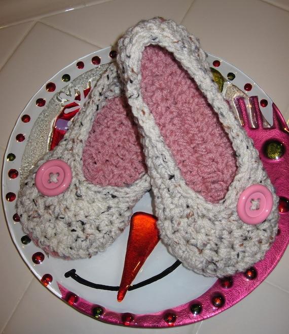 Crochet Slippers - Crochet Womens Slippers - House Shoes - Tan Flecks and Pink