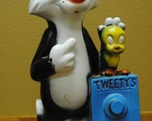 Tweetie and Sylvester Bank