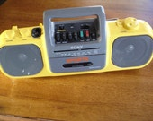Wow- Vintage Sony Sports AM/FM/Cassette Boombox