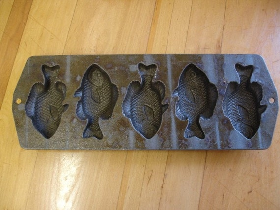 Cast iron fish mold for Cast iron fish