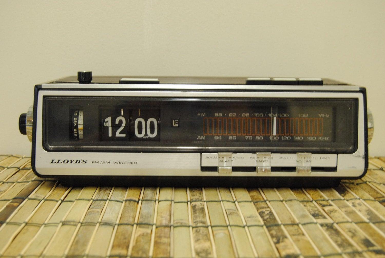 1970 S Flip Clock Radio