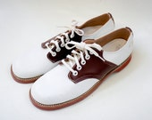 Youth / Women's leather buster brown shoe size 5