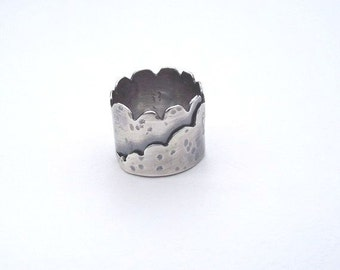 Sterling Silver Scalloped Edge Wrap Ring---Antiqued Finish With Texture---Size 10