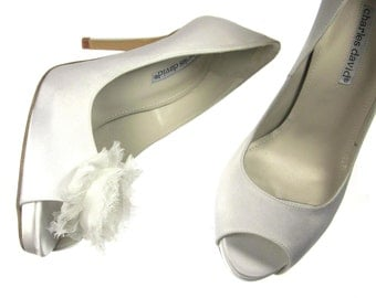 Magnetic Chiffon Flower Shoe Clips in White
