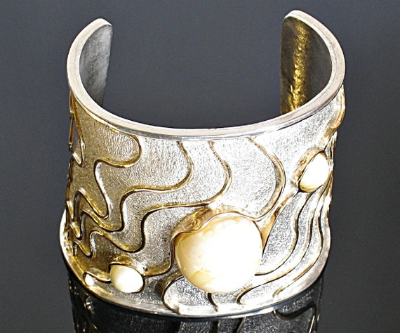 Nefertiti ./  Extraordinary Majestic  Bracelet./ Sterling Silver & Gold with 100% Natural Genuine White Baltic Amber.