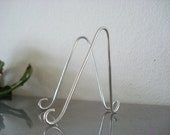 """25 pk Large Silver MINI Holders Easel Stand for 5"""" x 7"""" Wedding Table Number Holders Photo Place Card Business Card Holder  Wire Stands"""