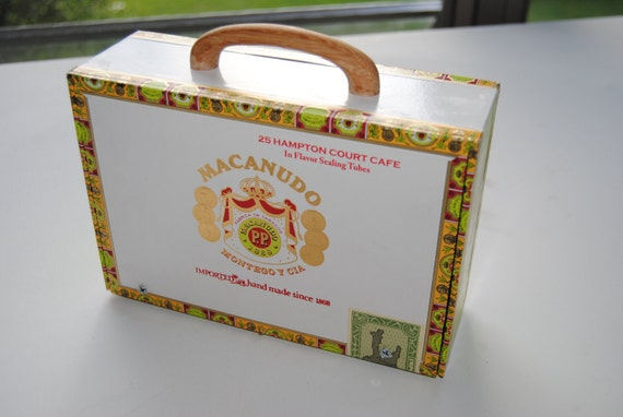 "Cigar Box Amplifier / MP3 Speaker ""Green Macanudo"""