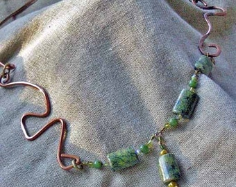 Free-form Green Tiger Jade & Copper Wire Necklace