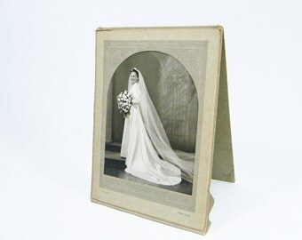 Vintage Wedding Dress Photo