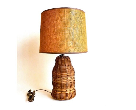 Vintage Woven Table Lamp ... Basket, Wicker, Brown, Natural, Nautical, Cottage, Farm