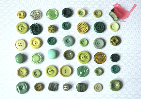 Vintage buttons - assorted green buttons