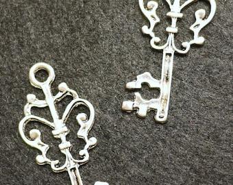 Antique Silver Key Pendant Charm Earrings 15.5x 36 mm - 4pcs (0414)