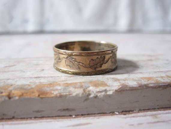 Victorian Etched Leaf Ring