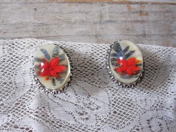 Dried Flower in Lucite Earrings