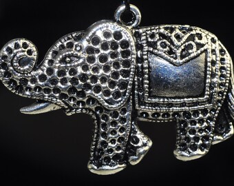 Listed @30% Off Sale Was 6.95---32x46x2mm Thai Pride -Silver PEWTER ELEPHANT Fancy Pendant - F0555E