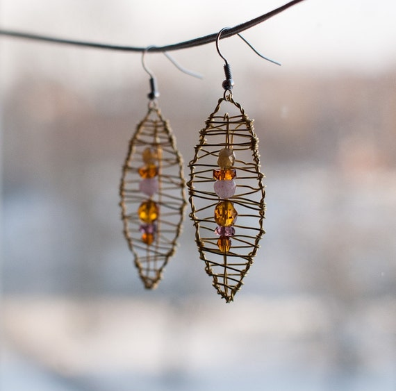 Leaf Earrings in Champagne and Honey
