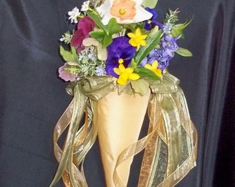 Flower Cones for Pews, Wedding Decorations, Bouquets for Flowergirls