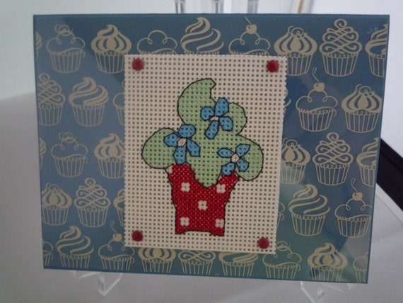 Green Frosted Cupcake hand stitched card