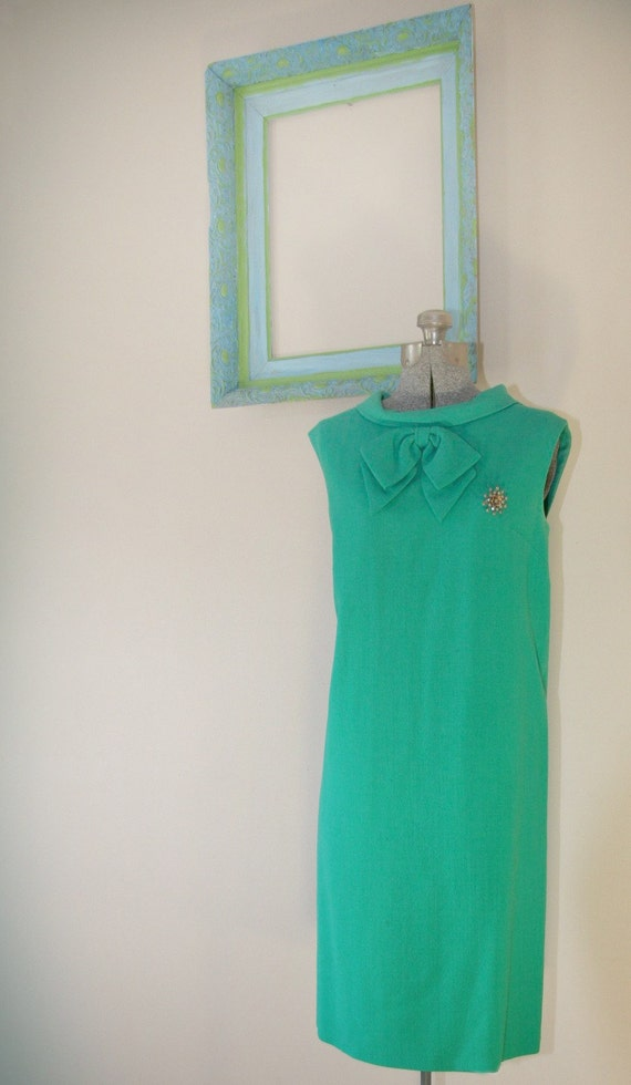 Vintage 1960s Sheath - Green Mod Dress with Rhinestone Brooch - 2394