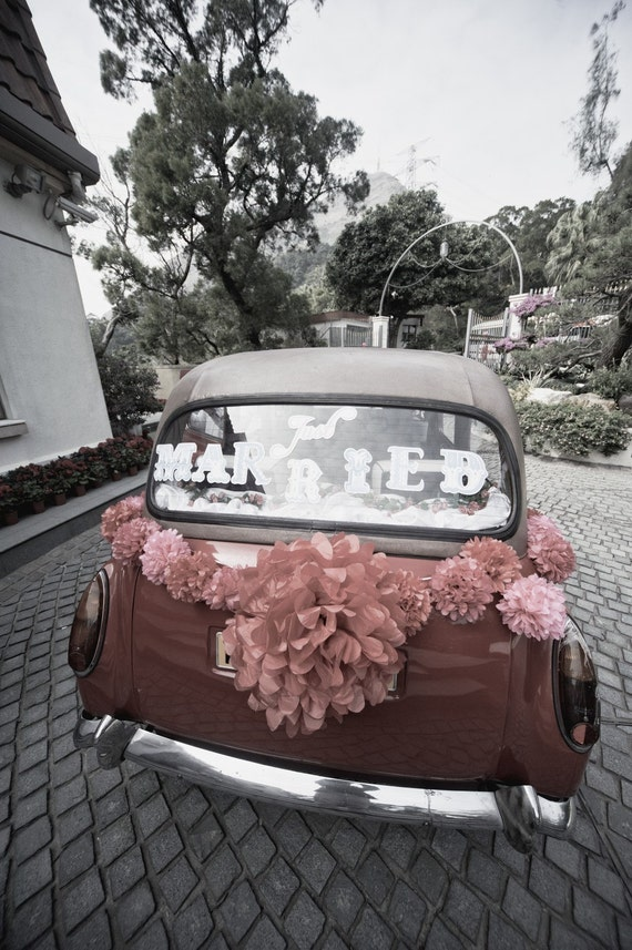 JUST MARRIED Window Cling | Wedding Sign for Getaway Car | Customizable Colors | Cling Decal | Last Minute Wedding Detail Car Bumper Sticker