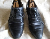 Ladies' Black Oxford Leather Shoes Size 40