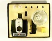 Vintage Kodak Brownie Hawkeye Flash Outfit in Original Box